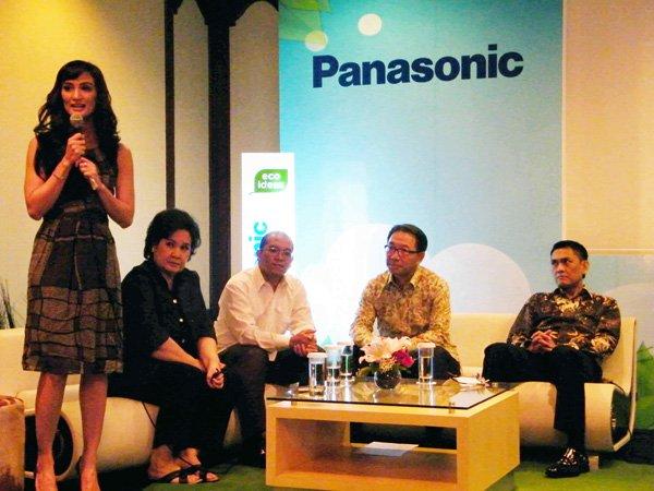 Atiqah Hasiholan, Eco Brand Ambassador Panasonic Gobel Indonesia