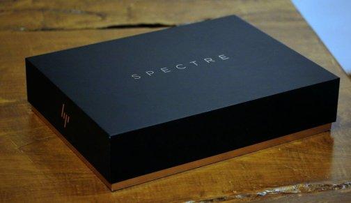Kotak Pembelian HP Spectre x360 2017. Mewah dan sesuai dengan posisinya sebagai laptop premium.