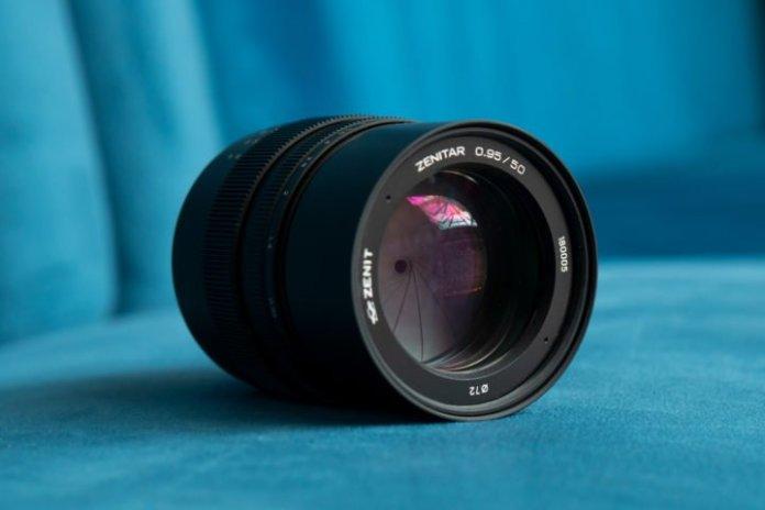 Zenit 50mm F0.95: Lensa Manual Tercepat untuk Kamera Full Frame Sony 1