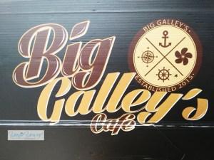 Santai di Big Galley's Cafe