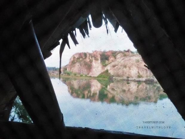 Pemandangan dari dalam Bamboo Lakeside Tents Site