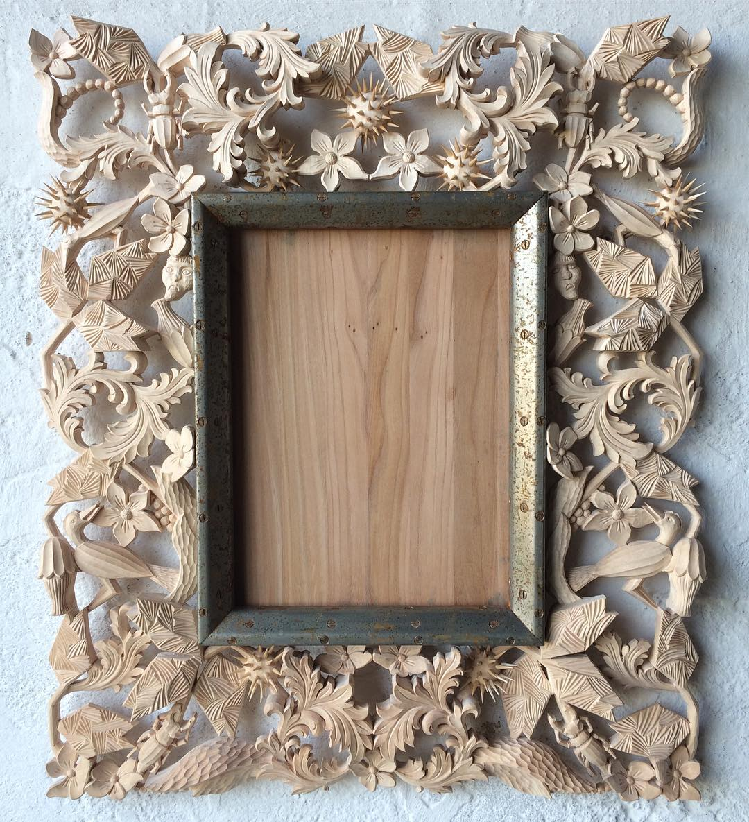 9 creative and unique mirror frames you must see yani 39 s for Unique mirror frames