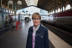 Brigitte Godard fait partie des 3 médecins européens de l'Agence Spatiale Européenne (ESA) à surveiller la santé des astronautes. Portrait pour H, le magazine des jeunes médecins. Publication octobre 2015