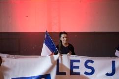 2 décembre 2015, Nîmes (Gard). Une jeune militante du Front National (FN) au dernier meeting de Marine Le Pen et Louis Alliot à Nîmes dans le Gard dans le cadre des régionales Languedoc-Roussillon Midi-Pyrénées.