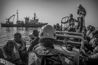 Durant six semaines, l'Aquarius a effectue sept sauvetages et plusieurs transferts avec des navires de la marine.Plus de 2000 personnes ont ete debarquees en Sicile.