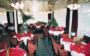 Отель_AMBASSADOR_Золотые_пески_Болгария_Ресторан_отеля-5-420101_700x440