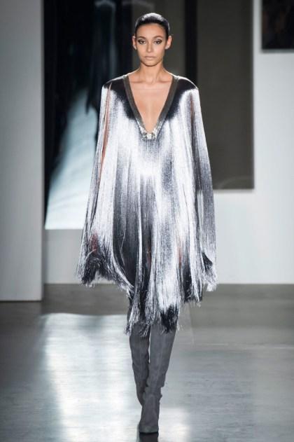 платье с бахромой на новый год 2017