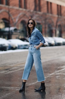 Сильно расклешенные джинсы