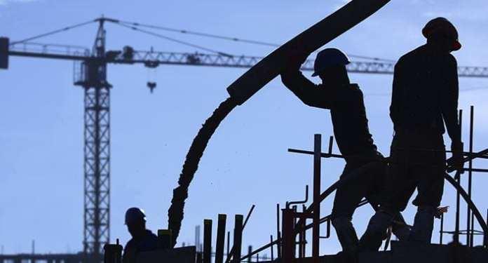 İnşaat Sektörü Giderek Küçülüyor