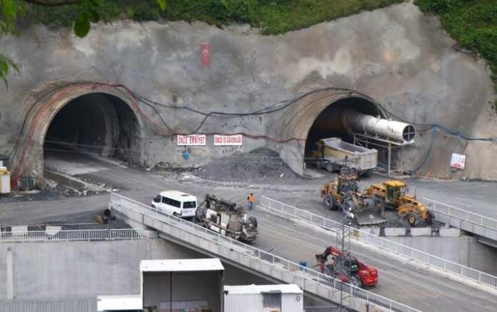 Avrupa'nın En Uzunu Olacak! Zigana Tüneli'nin Yüzde 60'ı Tamamlandı