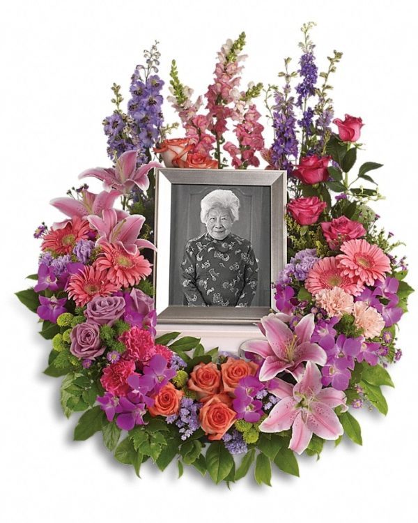 In Memoriam Wreath Yara Flowers