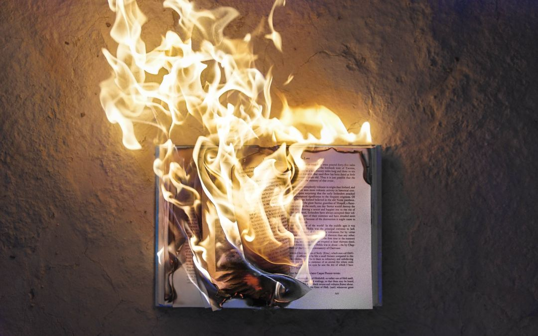 Unsettling the classics: On symptomatic readings and disciplinary agnosticism