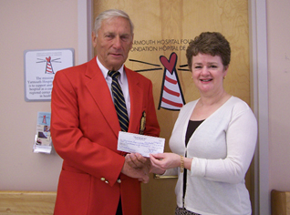 Paulette Sweeney-Goodwin, Managing Director, Yarmouth Hospital Foundation, accepts a $4,300.00 donation to the Foundation for Oncology from retired RCMP Superintendent, Hubert Robicheau, representing the N.S. RCMP Veterans Association (Yarmouth region). The N.S. RCMP Veterans Association raised the funds by way of a province wide lottery, with each region receiving part of the proceeds for a local charity. This is another example of community spirit at its best – thank you!
