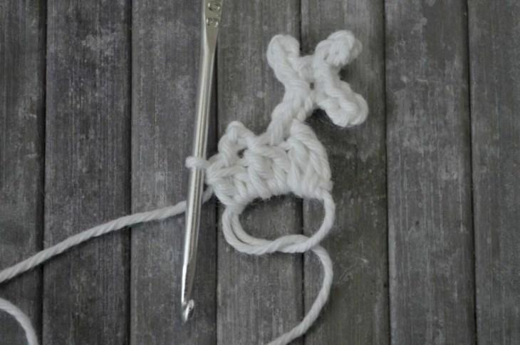 Easy snowflake crochet pattern yarnandy 18