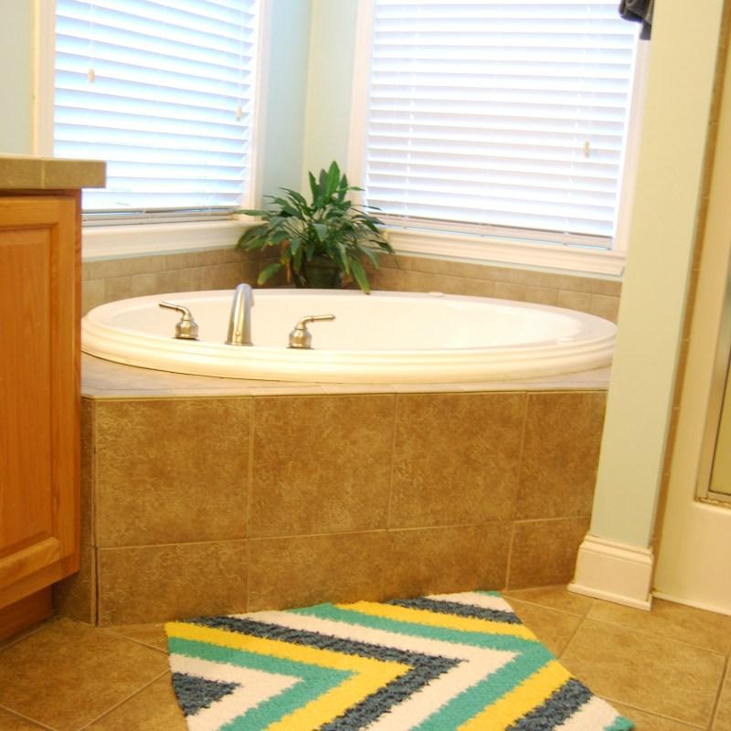 Calming Tides Bath Rug – Free Crochet Pattern