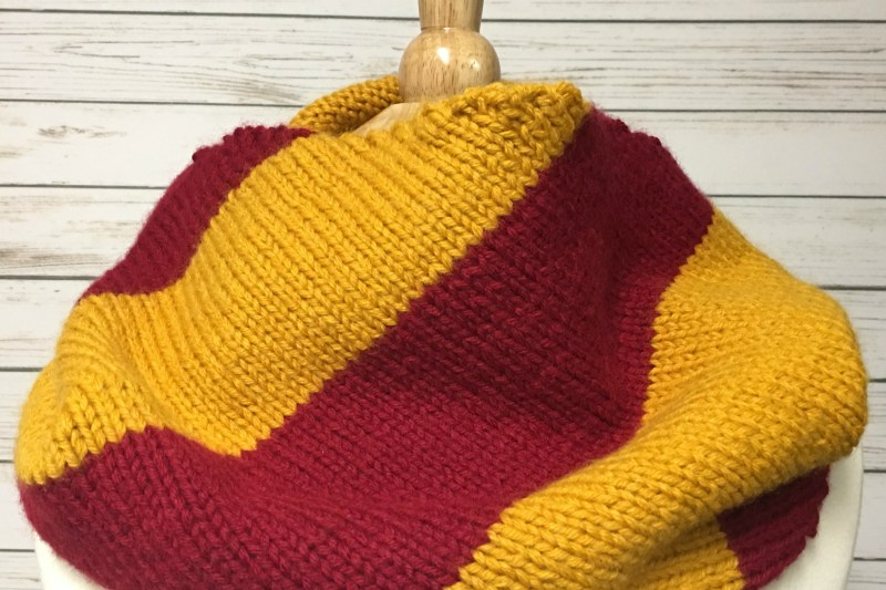 Godric's House Color Cowl – Free Knitting Pattern