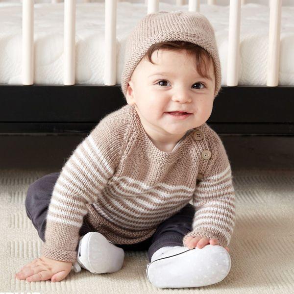 Lue og genser med striper med Bernat Softee Baby