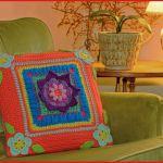 Crochet Tutorial: Blooming Daydreams Throw Pillow
