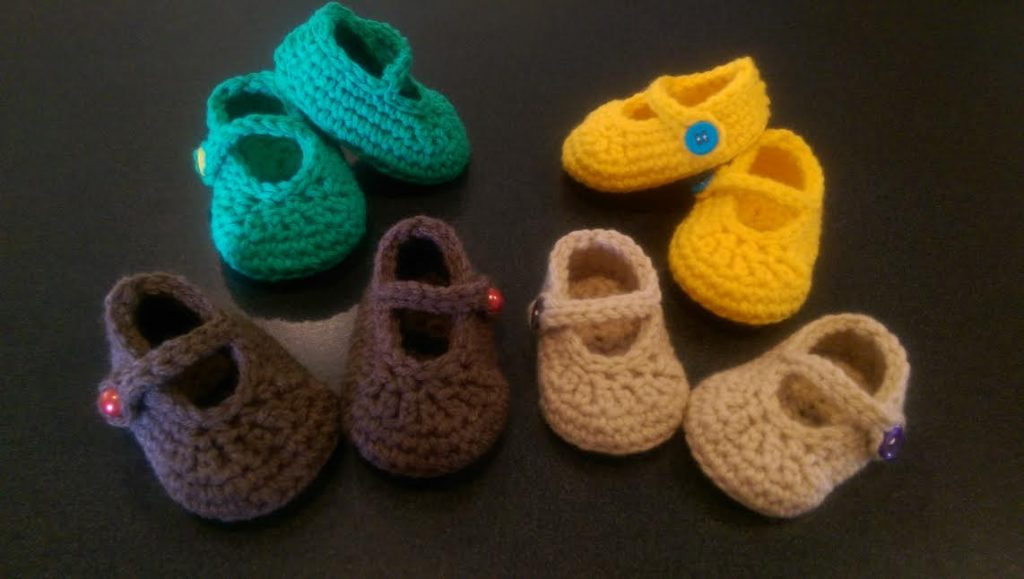 Kết quả hình ảnh cho 2. Knitted Baby Booties (Mary-Jane Booties)