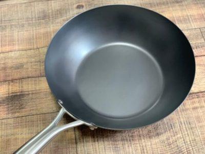 私が使用している鉄製のフライパン