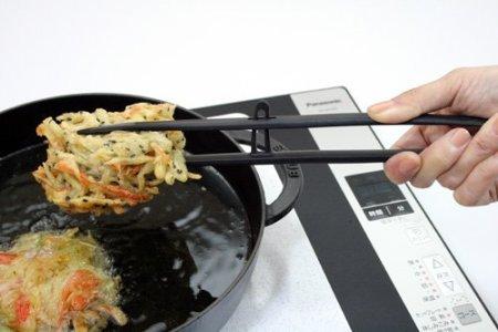 トング型の菜箸