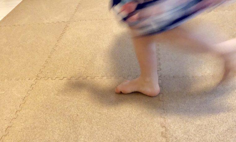 コルクマットで子供の足音を軽減しよう。