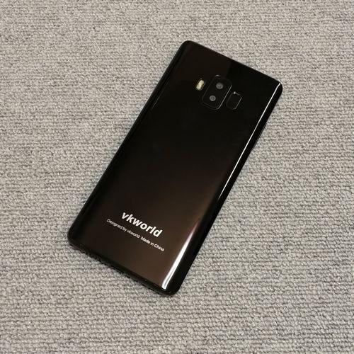 vkworld S8の背面デザイン