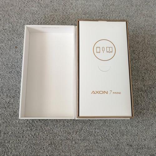 AXON 7 miniを開封