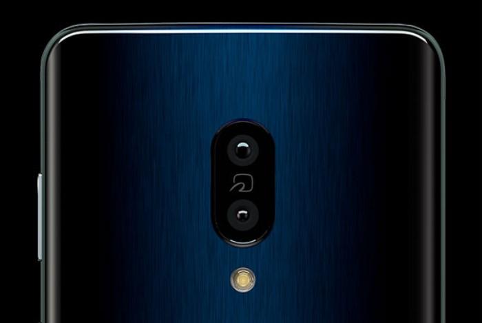 約1220万画素+約2010万画素のデュアルカメラ