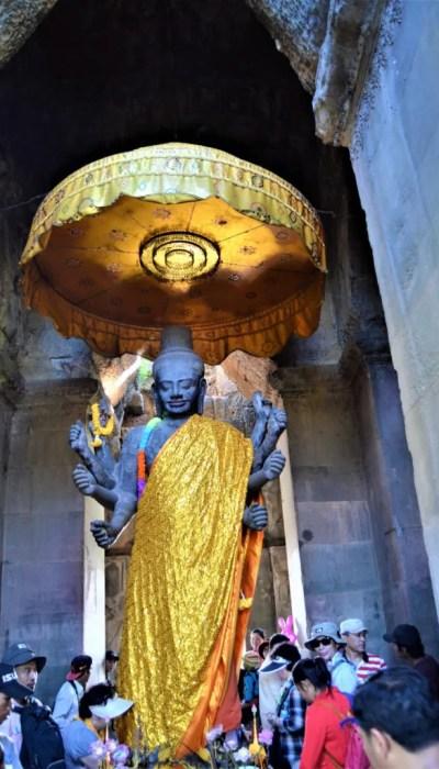 Statue of Vishnu inside a gopura of the outer enclosure entrance