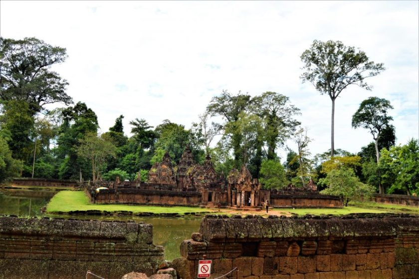 A view of the Banteay Srei Temple from the outer enclosure