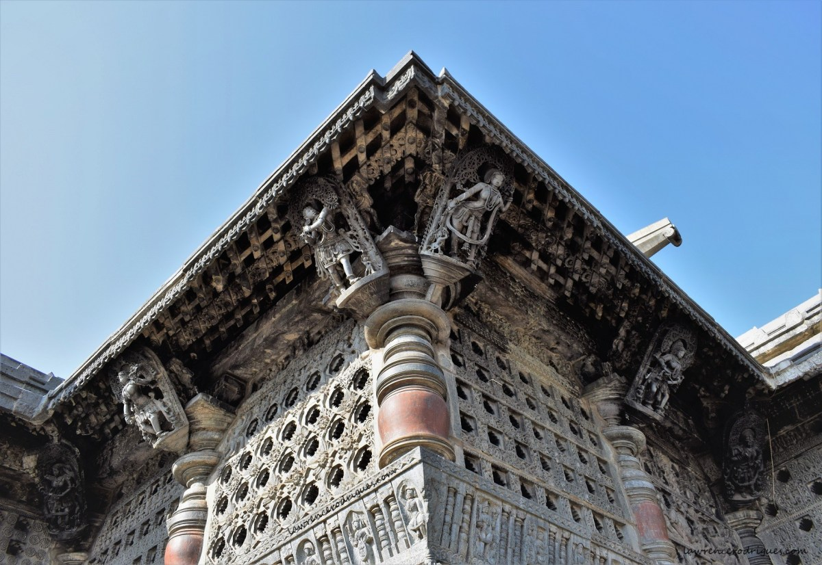 Belur Chennakeshava Temple - Bracket figures mounted on the pillars on the exterior wall surrounding the Navaranga