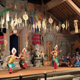 Balinese welcome dance
