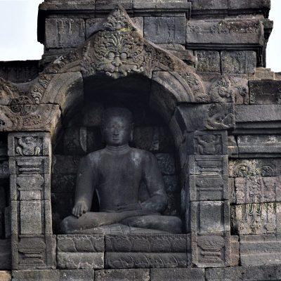 A Dhyani Buddha statue with the Bhumisparshamudra gesture