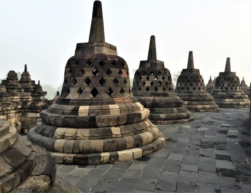 Borobudur - borobudur_stupa_ip4en