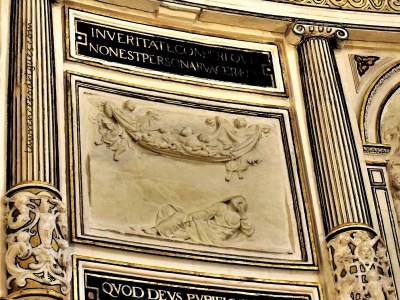 Chapter House - Bas-relief depicting the Vision of St. Peter narrated in the Acts of the Apostles