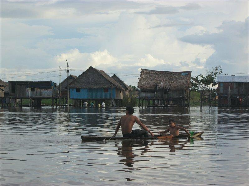 Деревня на водах Амазонки