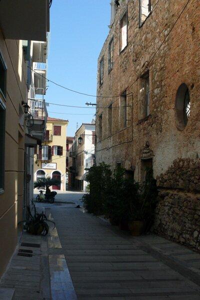 Улица Нафплиона, старый город