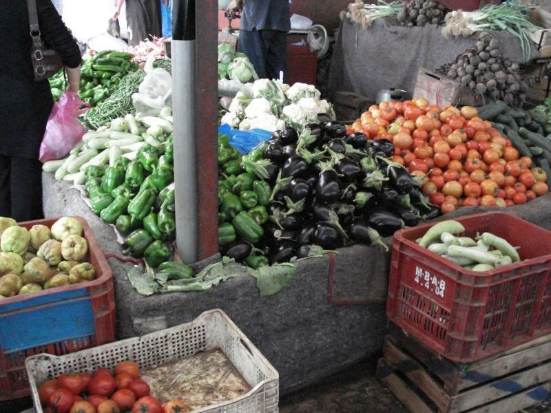 урожаи снимают по три раза в год, обилие овощей просто поражает