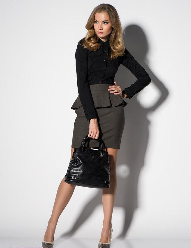 Серая юбка баска с черной рубашкой – фото новинки сезона