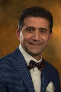 Гайк Бабаян - пластический хирург клиники Шарм
