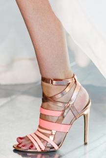 Блестящие туфли с ремешками Antonio Berardi 2014