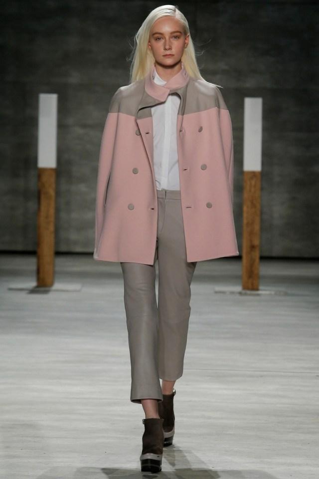 Розовое нежное модное пальто 2015 – фото новинка в коллекции ADEAM