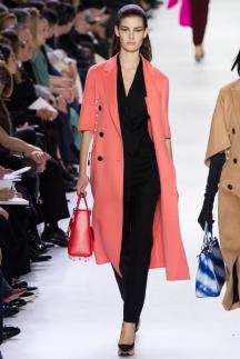 Модный плащ осень-зима 2014-2015 – Christian Dior