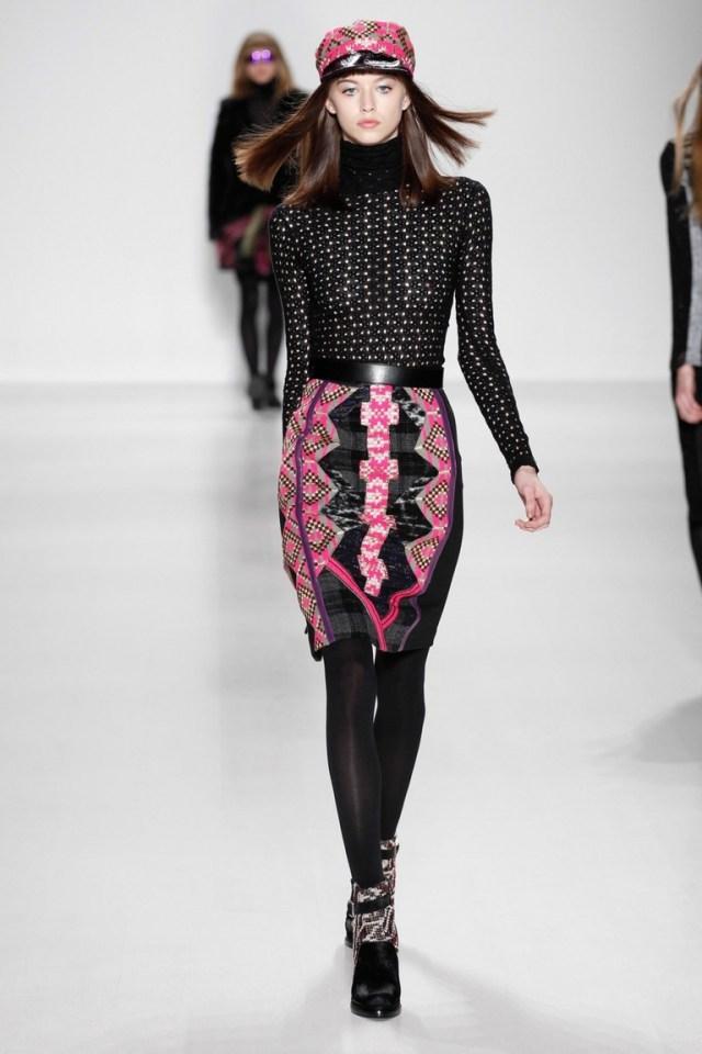 Фото модной юбки 2015 с узором Custo Barcelona