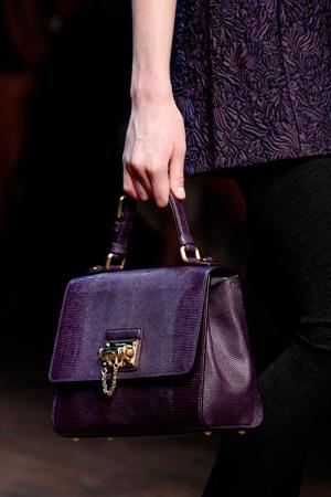 Модная фиолетовая сумка сезона осень-зима 2014-2015 – Dolce & Gabbana