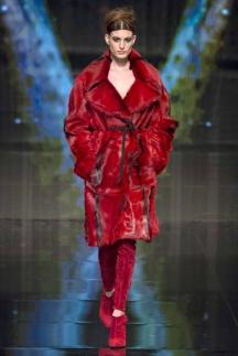 Красная модная шуба осень-зима 2014-2015 – Donna Karan