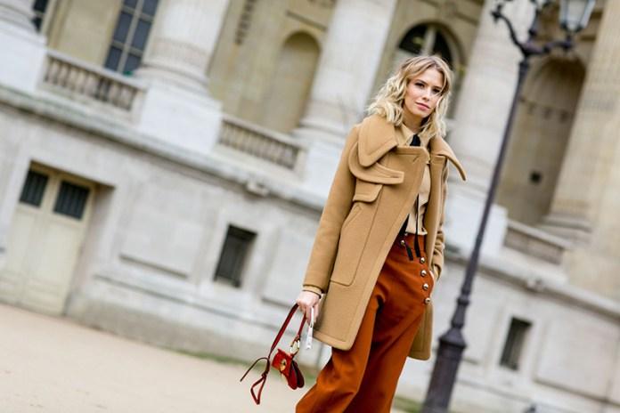 Бежевое однотонное женское пальто