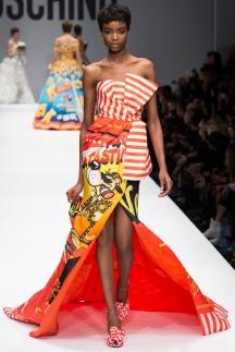 Модное длинное платье осень-зима 2014-2015 Moschino