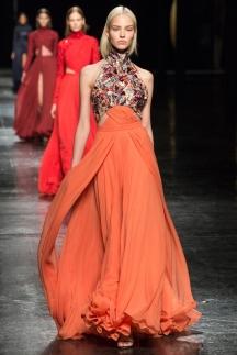Оранжевое модное платье осень-зима 2014-2015 – Prabal Gurung